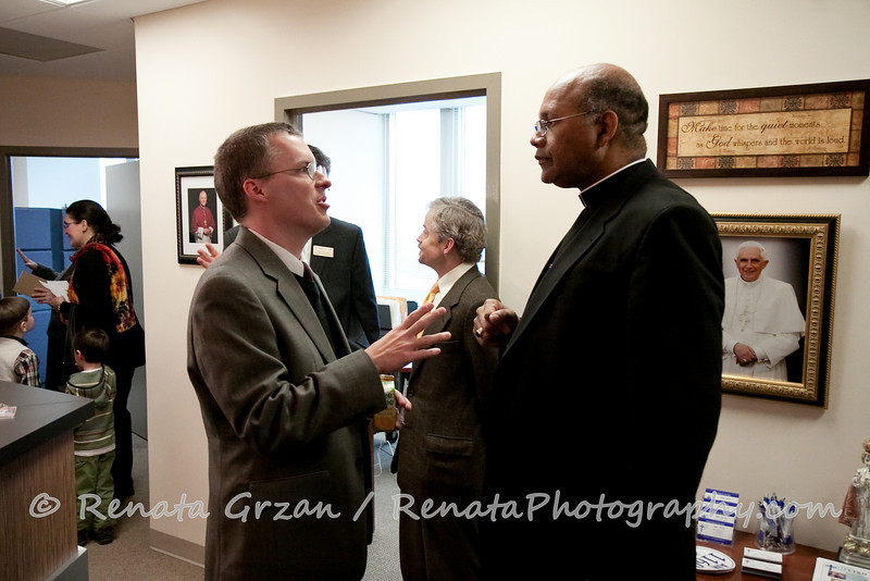 041- Guadalupe Radio Network Blessing - Renata Photography