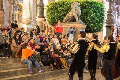 Street performers at Teatro Juarez