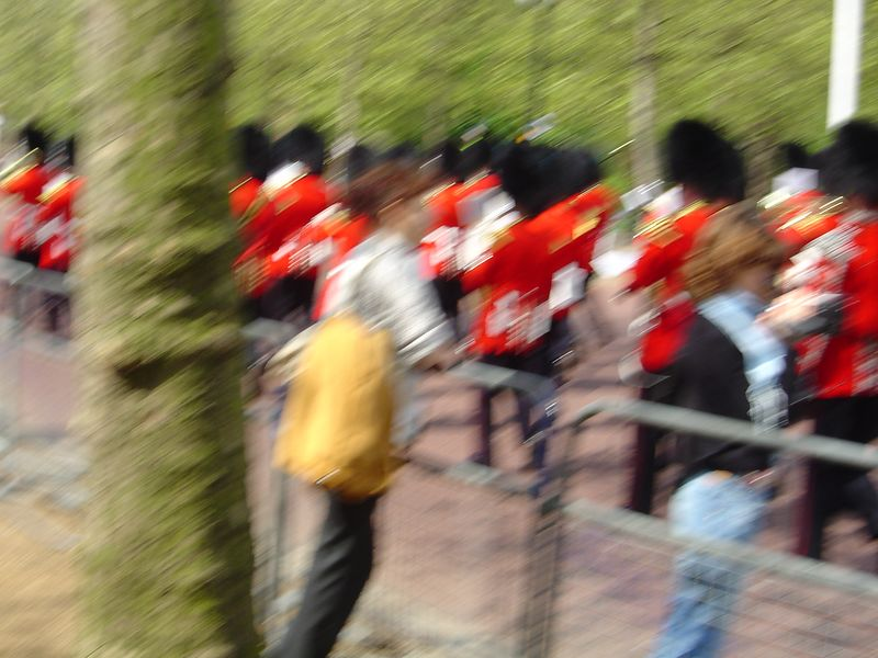A blurry photo of the parading soldiers marching to Buckingham Palace. We were running to catch up to them.