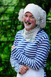 Bakergutten: Tale Berntsen KLATREMUS OG ALLE DE ANDRE DYRENE I HAKKEBAKKESKOGEN Norsk Sceneskrekk 2013 - Bassengparken Gjøvik  25/06/2013    --- Foto: Jonny Isaksen