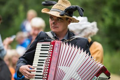 Elgen: Tor Ingar Jacobsen KLATREMUS OG ALLE DE ANDRE DYRENE I HAKKEBAKKESKOGEN Norsk Sceneskrekk  - Bassengparken Gjøvik 24/06/2014  --- Foto: Jonny Isaksen