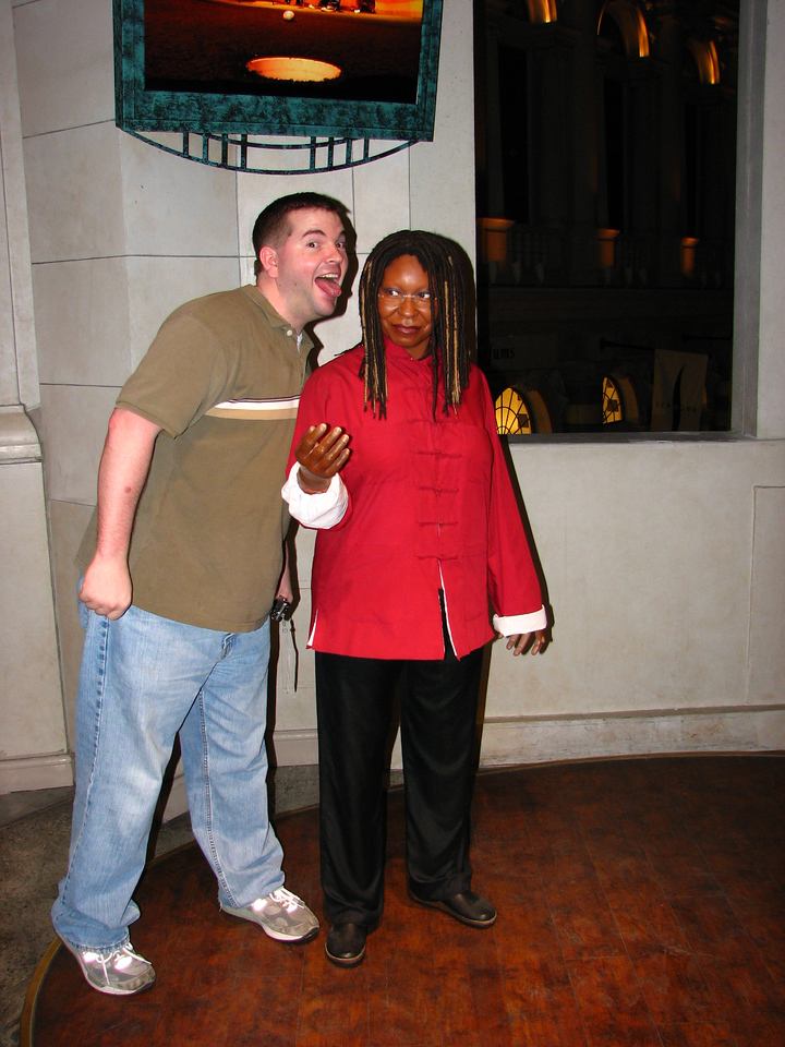 Brett molests Whoopi. Fortunately she didn't press charges, which is good since Kathy reminded us that bail is not expensable.