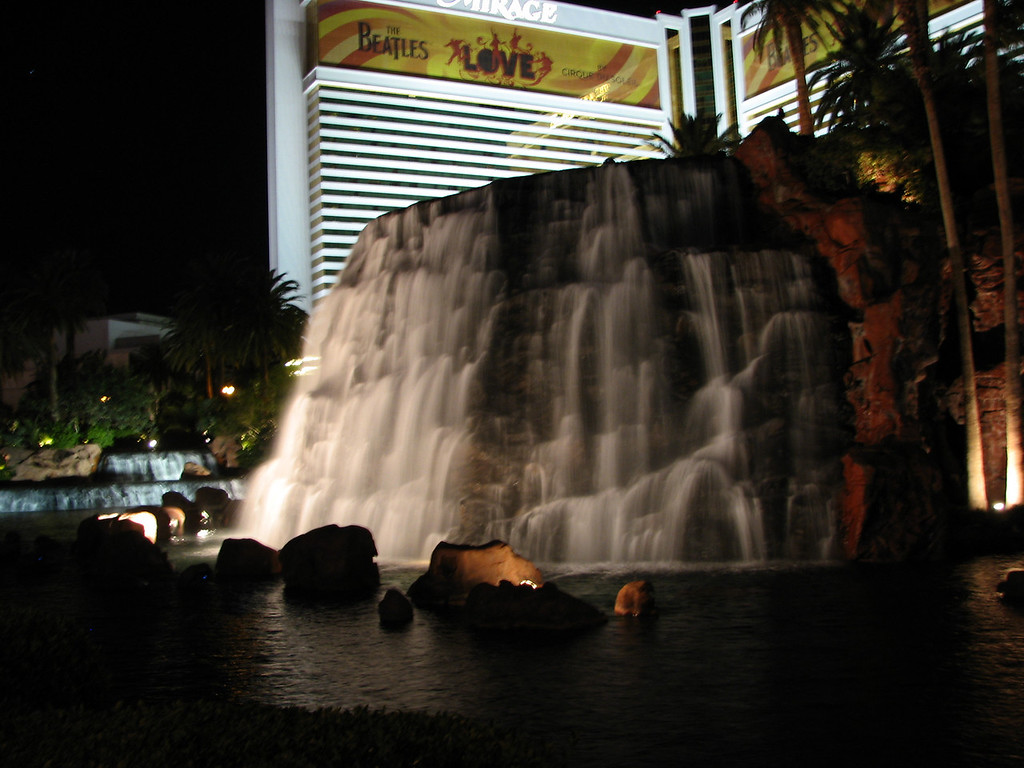 The volcano at The Mirage.
