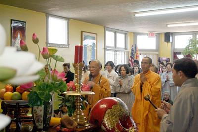 HT Huệ Minh Thăm Chùa năm 2006