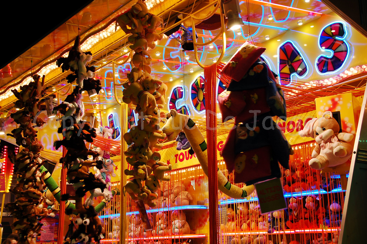 The usual stuff at fun fairs... Shot with the Nikkor 18-200mm zoom lens. No post processing at all.