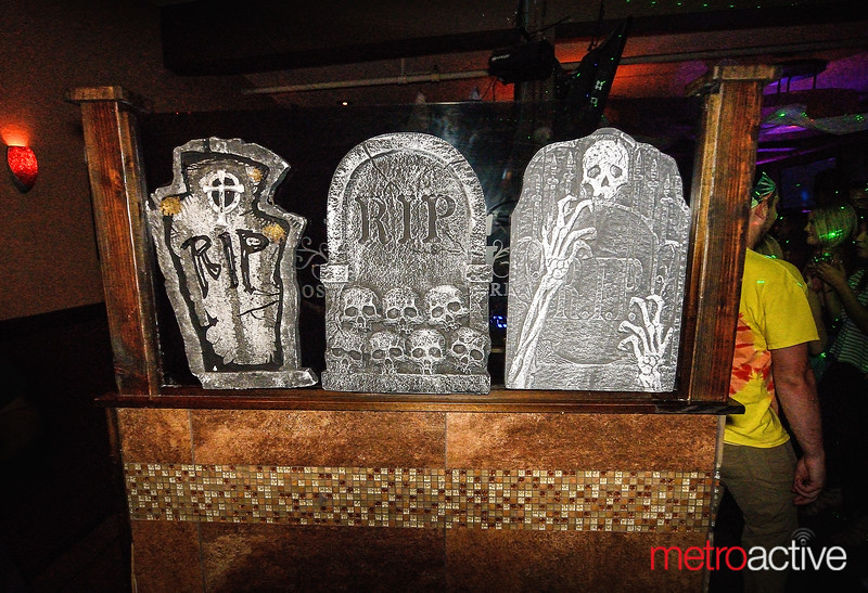 "Los Gatos Bar & Grill's Annual ""Halfway to Halloween"""
