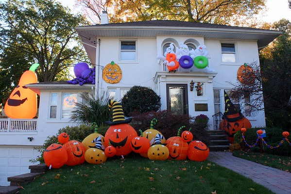 Halloween (Clinton Place in Hackensack)