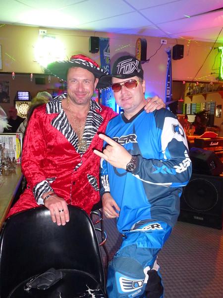 Halloween 2011 Joe Steve Wendy Paula PJ 069.JPG