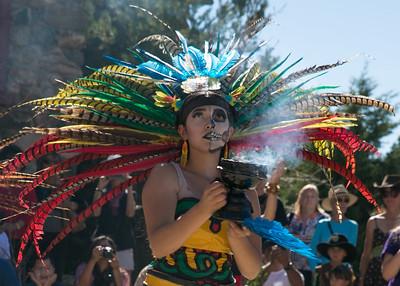 feather mex dancer fire pot smoke  blur face 1181