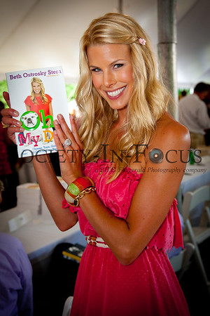 """Beth Ostrosky Stern, author of """"Oh My Dog"""""""