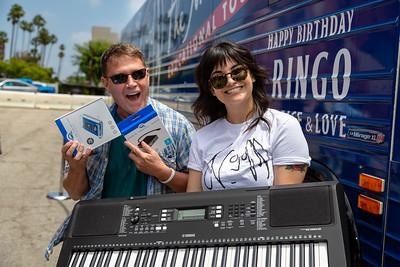 2019_07_07, Birthday, CA, Capitol Records, Los Angeles, Ringo, Giveaways, OWC, Bus, Exterior, Yamaha