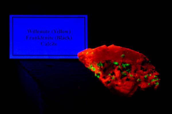 Calcite under blacklight
