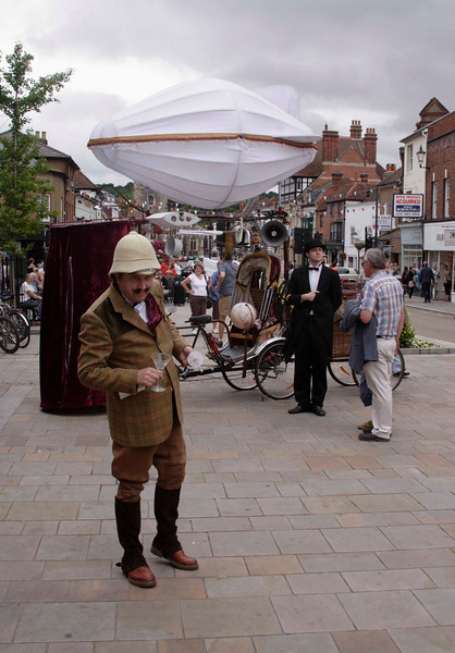 """Henley Festival street theatre 2009   """"Is this Slough?"""""""
