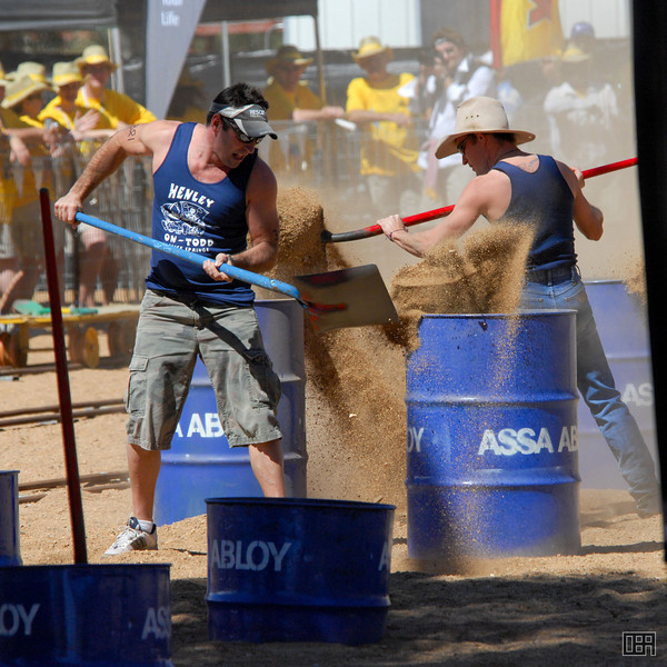 Men's Sand Shovelling event