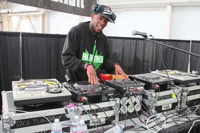 Dif-Rent, DJ Host http://www.djdifrent.com/