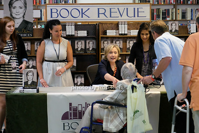 Hillary Clinton  photo by Rob Rich/SocietyAllure.com © 2014 robwayne1@aol.com 516-676-3939
