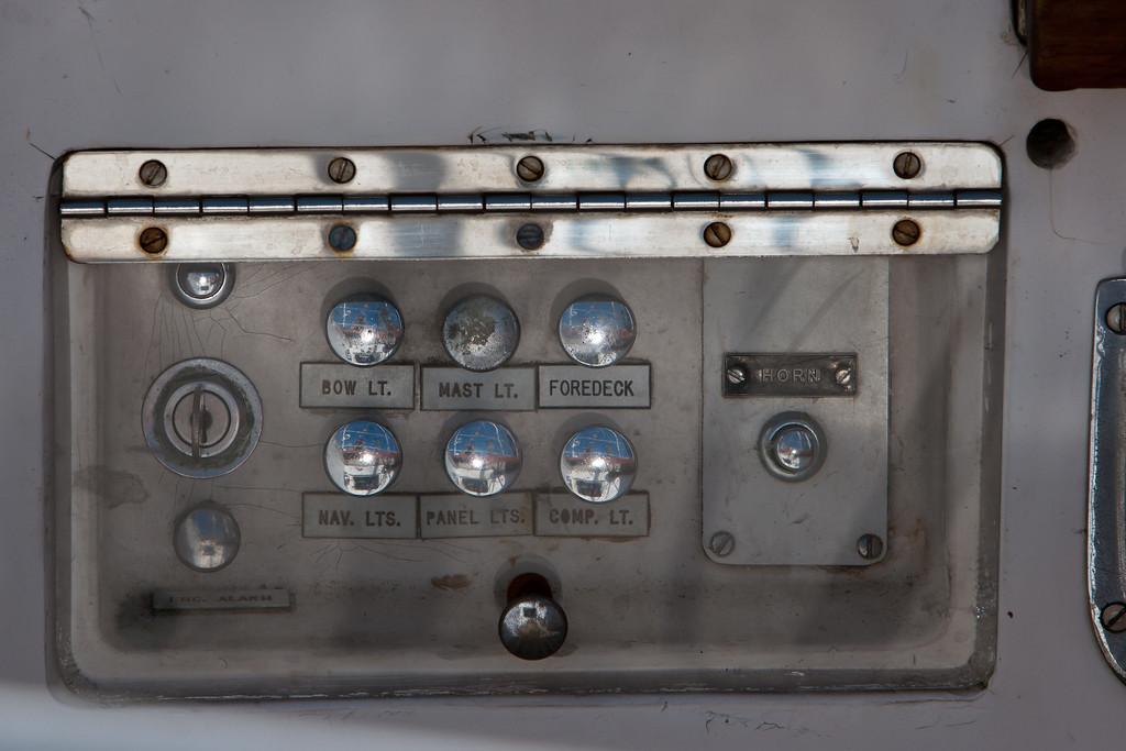 Hutress, cockpit controls.
