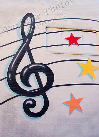 music cleft on bldg Mesa 0213 3297