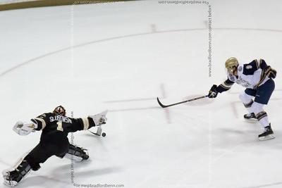 Hockey - Notre Dame hosts Western Michigan