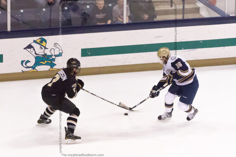 Michael Voran moves tinto the offensive zone during the first period