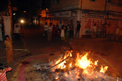 Bonfire lit on the night before the Holi festival of colours.  Holi the Festival of Colours being celebrated in Jaipur, the Capital city of Rajasthan, India.