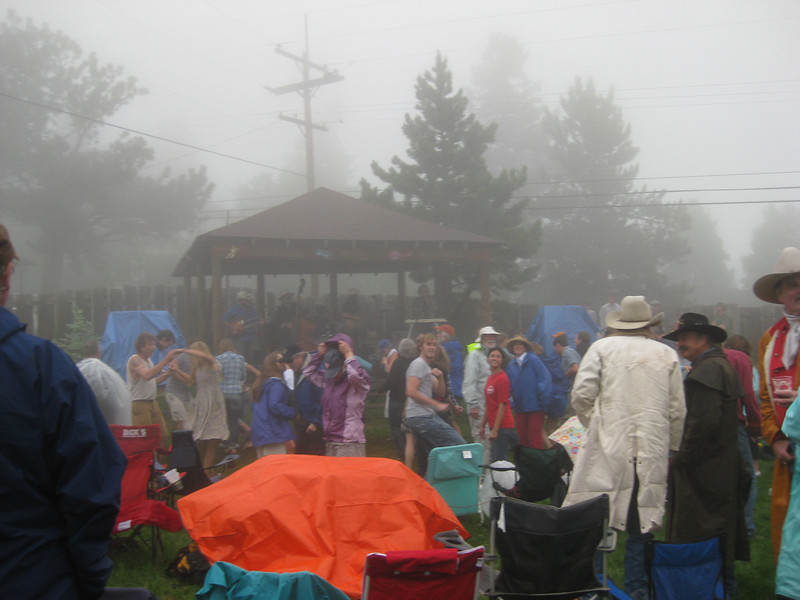 Fourth of July Twang @ Gold Hill Inn. and then the fog rolled in (a cloud, really)