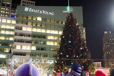 Detroit_Tree_Lighting_2014-24
