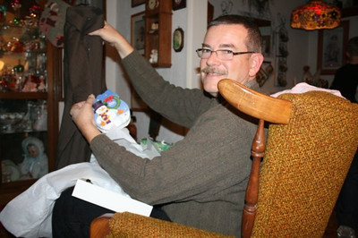 CREATOR: gd-jpeg v1.0 (using IJG JPEG v62), quality = 85 Christmas celebration with Joe's family at Lynday and Lorenzo's house, December 16, 2010