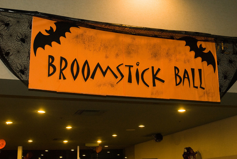Broom Stick Ball-272