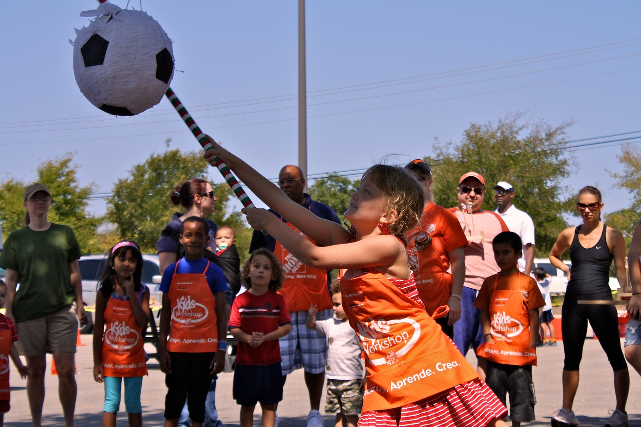 Home Depot Event 9-4-10 - IMG# 2045