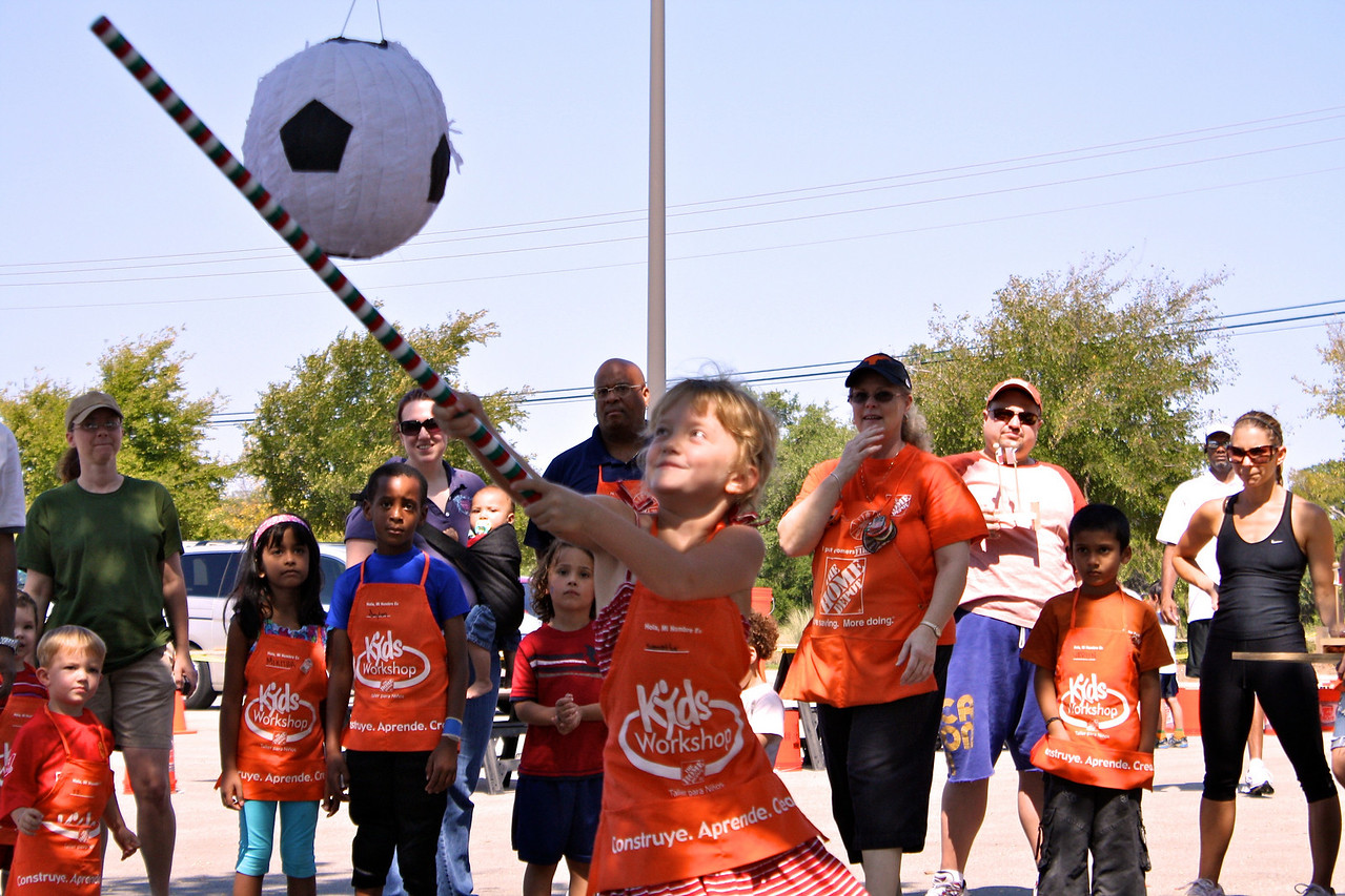 Home Depot Event 9-4-10 - IMG# 2044