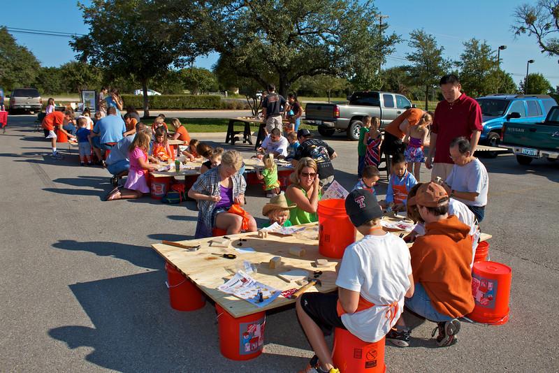 Kids Workshop at Home Depot - 2010-10-02 - IMG# 10-005272