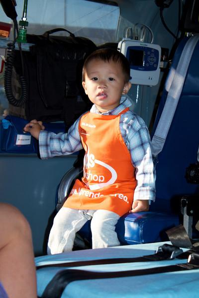 Kids Workshop at Home Depot - 2010-10-02 - IMG# 10-005254