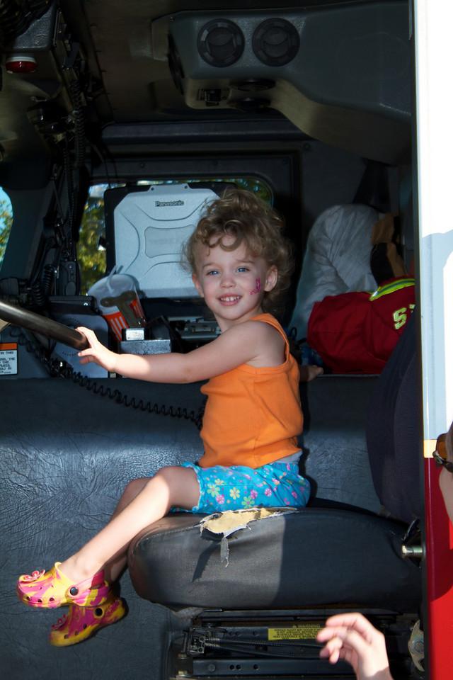 Kids Workshop at Home Depot - 2010-10-02 - IMG# 10-005278