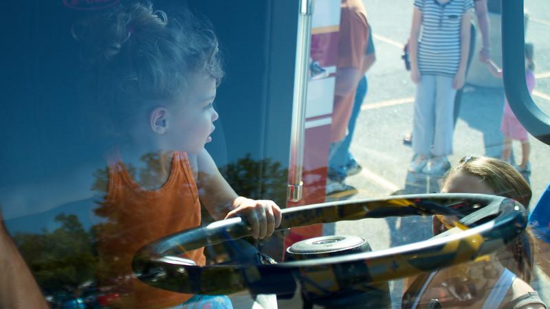 Kids Workshop at Home Depot - 2010-10-02 - IMG# 10-005284