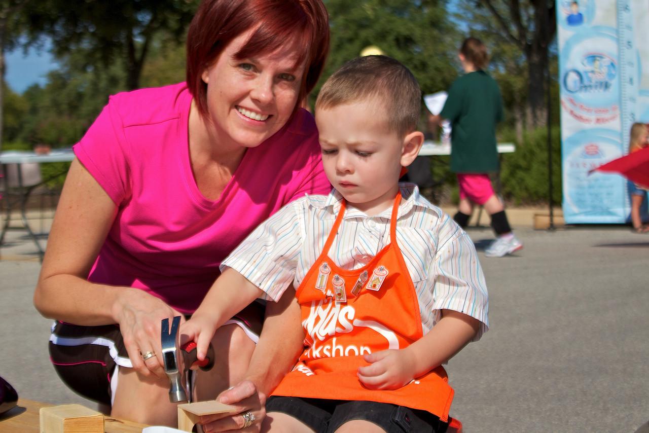 Kids Workshop at Home Depot - 2010-10-02 - IMG# 10-005383