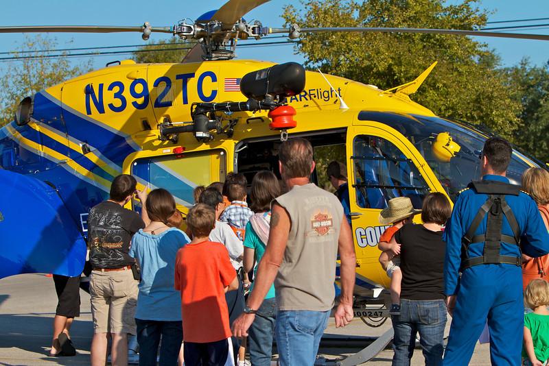 Kids Workshop at Home Depot - 2010-10-02 - IMG# 10-005224