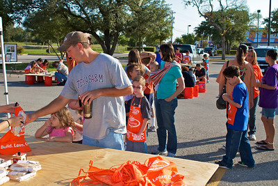 Kids Workshop at Home Depot - 2010-10-02 - IMG# 10-005257