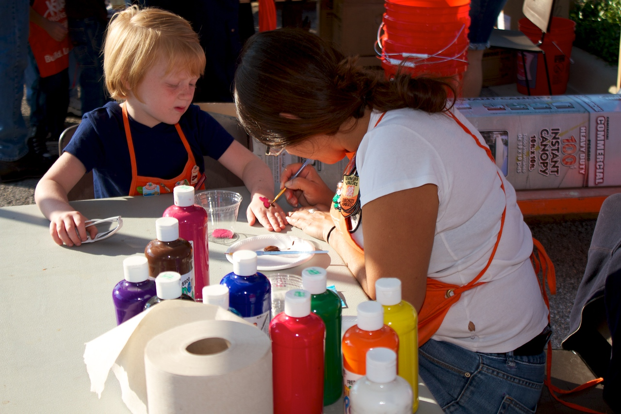 Kids Workshop at Home Depot - 2010-10-02 - IMG# 10-005226