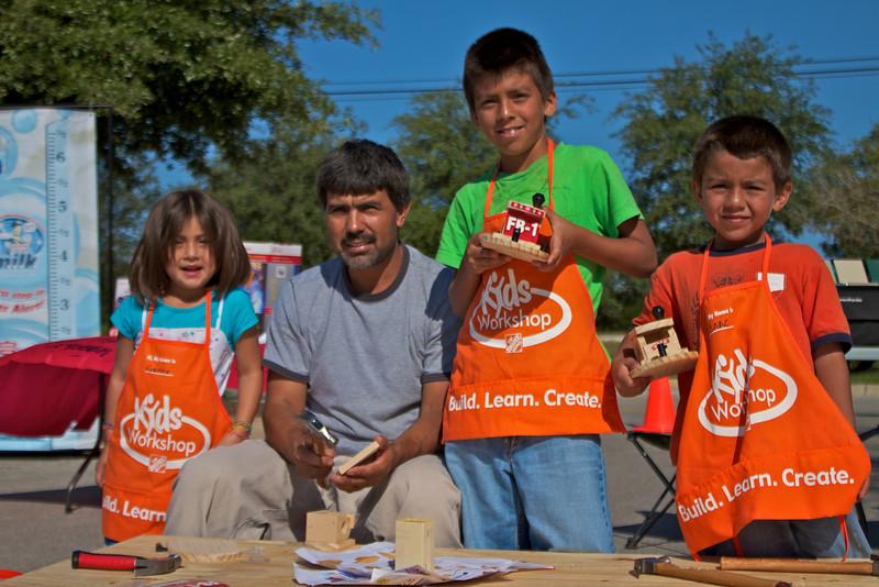 Kids Workshop at Home Depot - 2010-10-02 - IMG# 10-005386