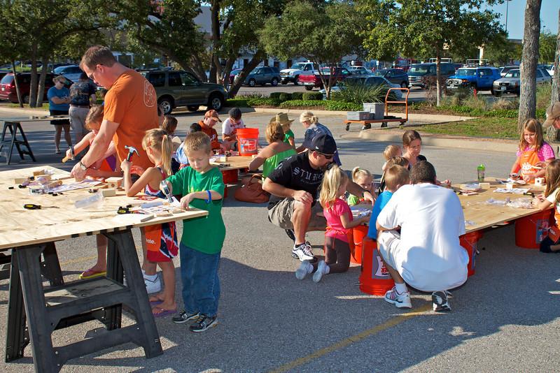 Kids Workshop at Home Depot - 2010-10-02 - IMG# 10-005270