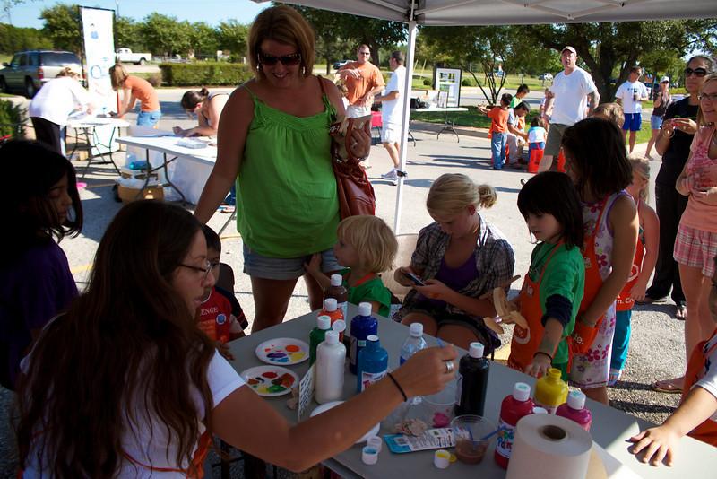 Kids Workshop at Home Depot - 2010-10-02 - IMG# 10-005379