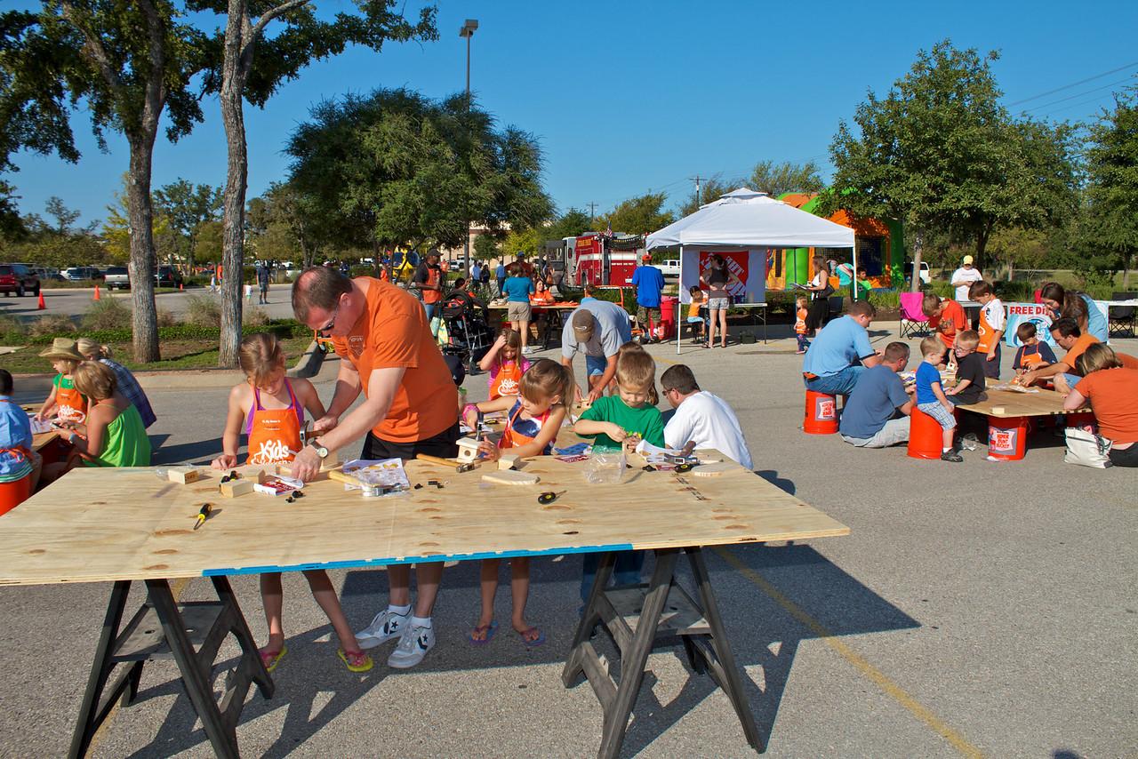 Kids Workshop at Home Depot - 2010-10-02 - IMG# 10-005269