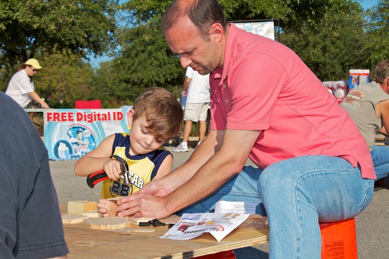 Kids Workshop at Home Depot - 2010-10-02 - IMG# 10-005234