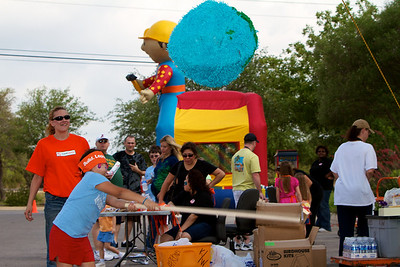Home Depot Kid's Workshop - Earth Day 2011 - 2011-04-23 - IMG# 04-008805