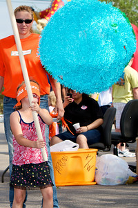 Home Depot Kid's Workshop - Earth Day 2011 - 2011-04-23 - IMG# 04-008797