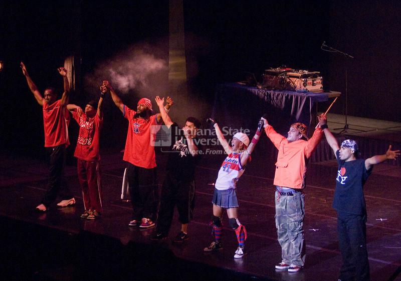 2007_homecoming_break_performance_0454