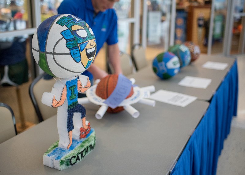 020216_HomecomingBasketballs-2-6