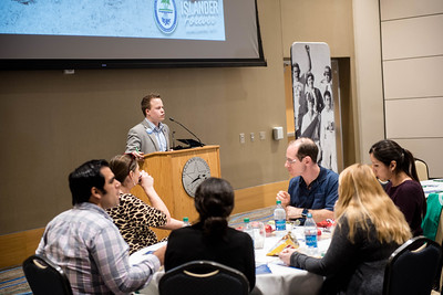 021516_AlumniFacultyLunchIn-JW (3 of 14)