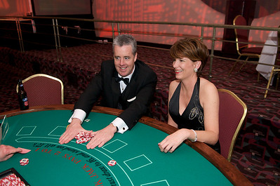 Bill Kelleher and Patricia Hakes of Downtown try win big at the blackjack table